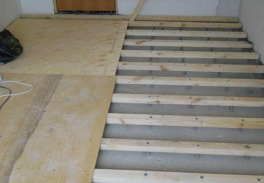 Произвести отделку пола на бетонное основание несложно, с чем прекрасно справится каждый