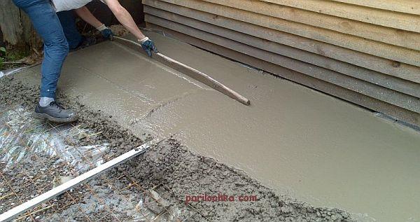 zalivaem-betonnyi-pol-18