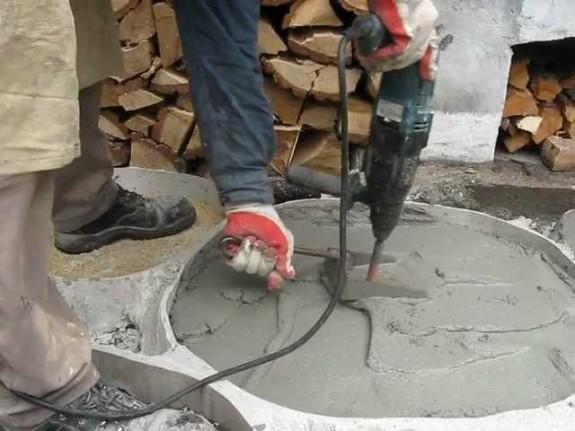 вибронасадка на дрель для уплотнения бетона