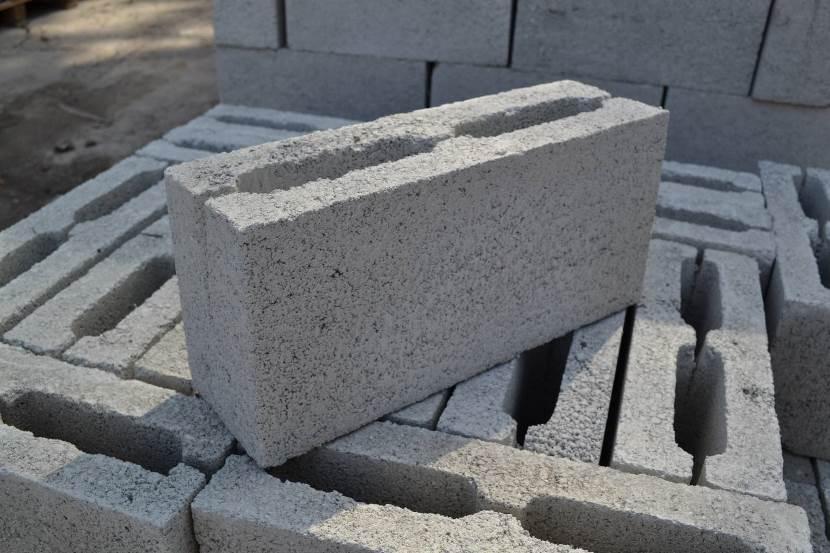 цементный блок перегородки